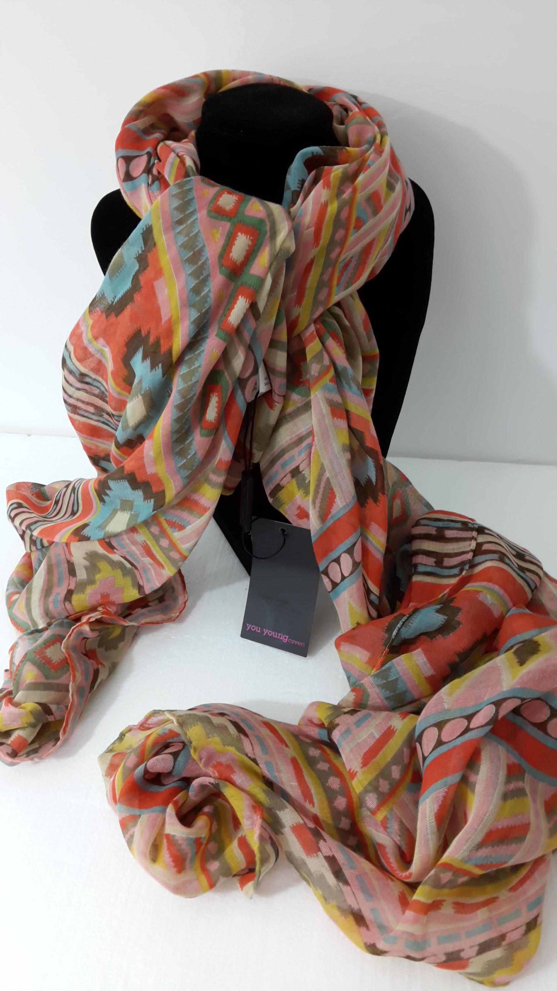 incontrare 35dd6 2b5c8 stock foulard firmati | Italian Stock