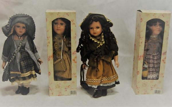 stock bambole in porcellana