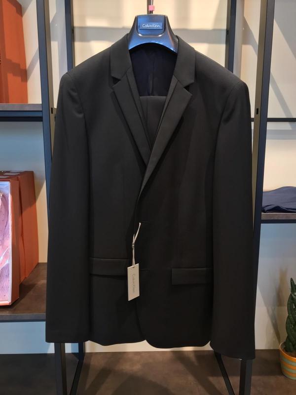 Lotto abiti e giacche firmate