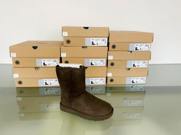 stock scarpe donna uomo firmate