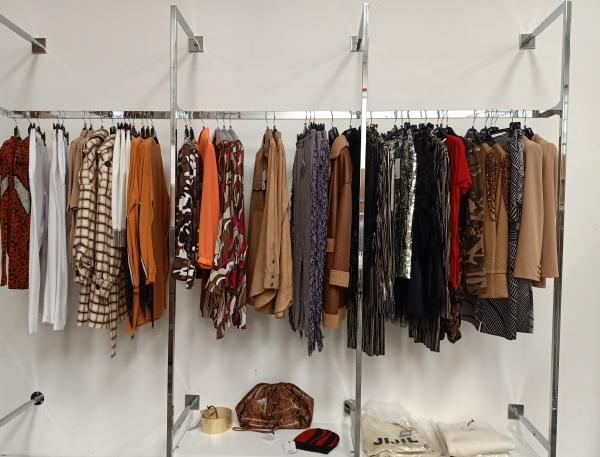 Stock abbigliamento donna firmato Jijil A/I